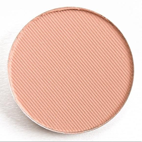 Sephora Other - 5/$25 ABH Soft Peach Eyeshadow New Full Size